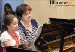 Több, mint 150 jelentkező közül választották ki a nyíregyházi zongoratehetséget, Amandát