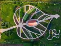 Hárslevél alakú Gyuri bácsi megújult gyógynövénykertje Bükkszentkereszten