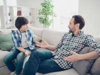 A jó szülő-gyerek kapcsolat segít az internet veszélyeinek kivédésében